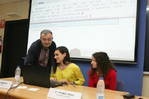 Alba García e Isabel Vera en la presentación de EDICO
