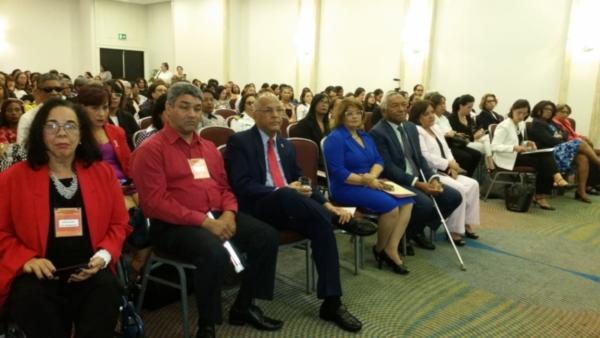 Imagen del auditorio con los asistentes al evento