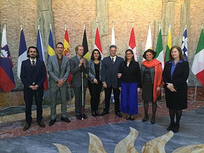 Miembros de la Junta Directa de la Unión Europea de Ciegos (EBU), durante la Asamblea de ratificación del Tratado