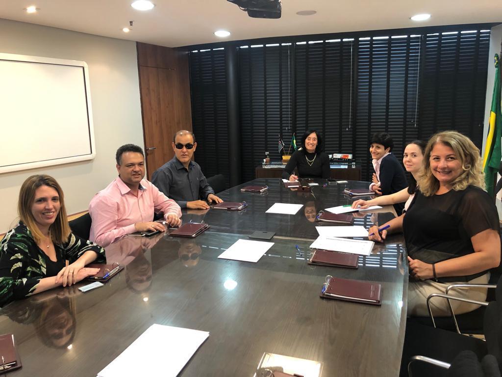 Imagen de la comitiva de FOAL y la ONCB en su reunión con la Secretaría de Derechos de las Personas con Discapacidad