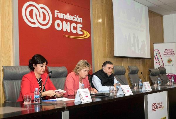 Yolanda de la Fuente, Teresa Palahí y Jesús Hernández en la presentaciónde la Semana Internacional de la Accesibilidad