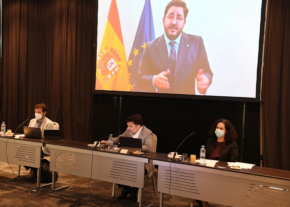 El secretario de Estado de la España Global, inaugurando el Patronato mediante un vídeo