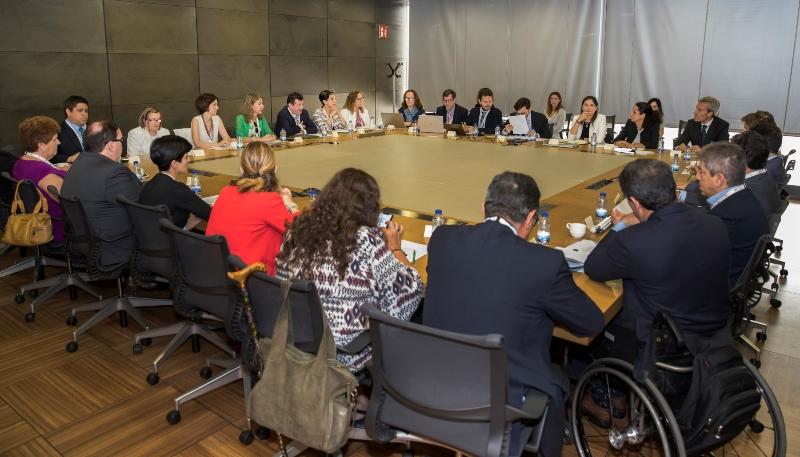 Imagen de los patronos reunidos en la sede de Repsol