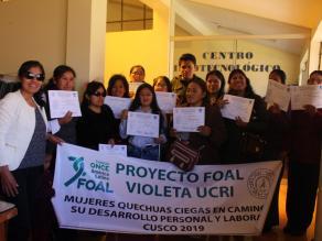 Imagen de las participantes del proyecto FOAL Violeta 2019 de UCRI, en Cuzco (Perú)